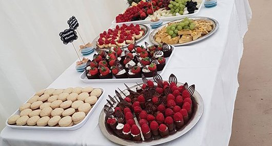 dessert table buffet